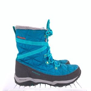 Columbia Water Proof Women's Boots Size 6